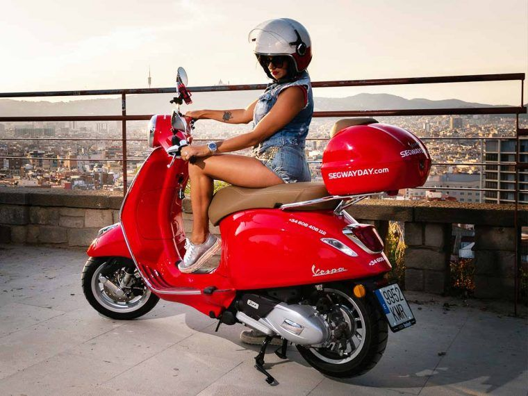 Vespa_scooter_rent_barcelona