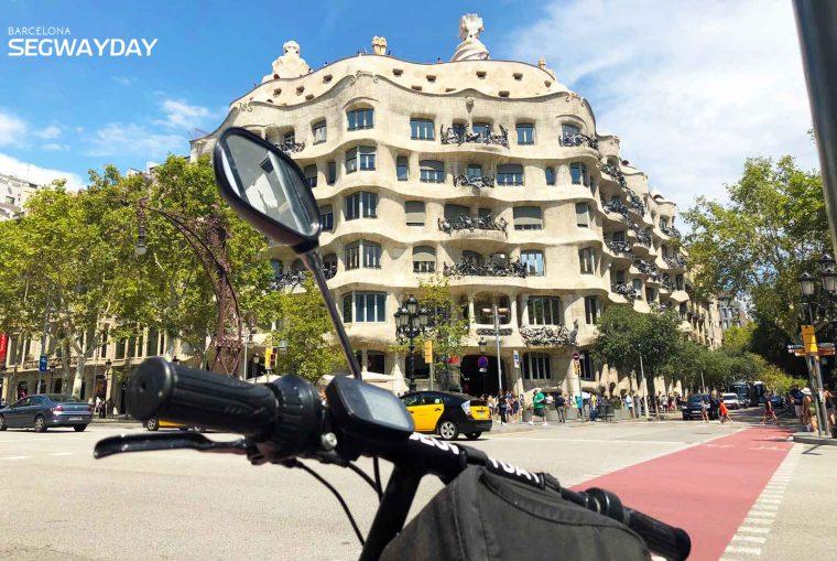gps_gaudí_tour_+_La_Pedreta_ticket_BSD