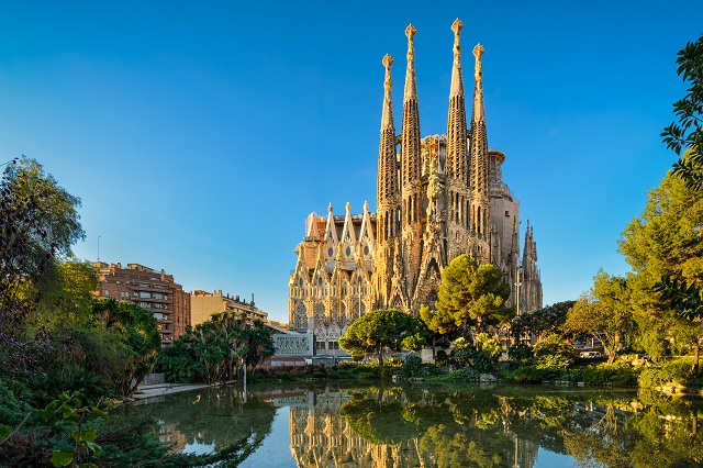 Sagrada_Familia _in_barcelona_Spain