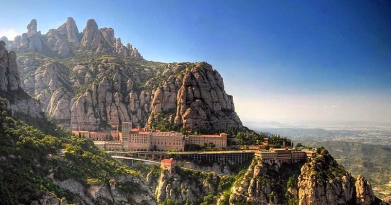 monasterio_montserrat_catalonia